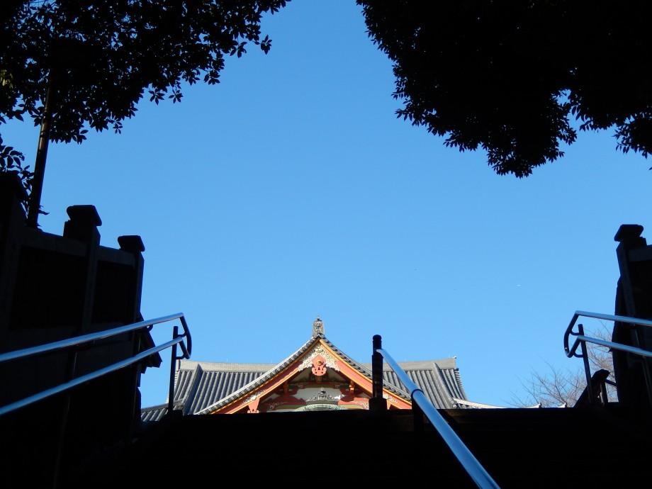 東京、冬の青空―目黒不動