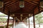 萬福寺の回廊の灯籠