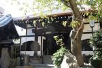 一葉ゆかりのハイカラ寺