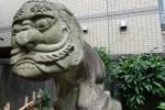 高輪のおじさん顔石像