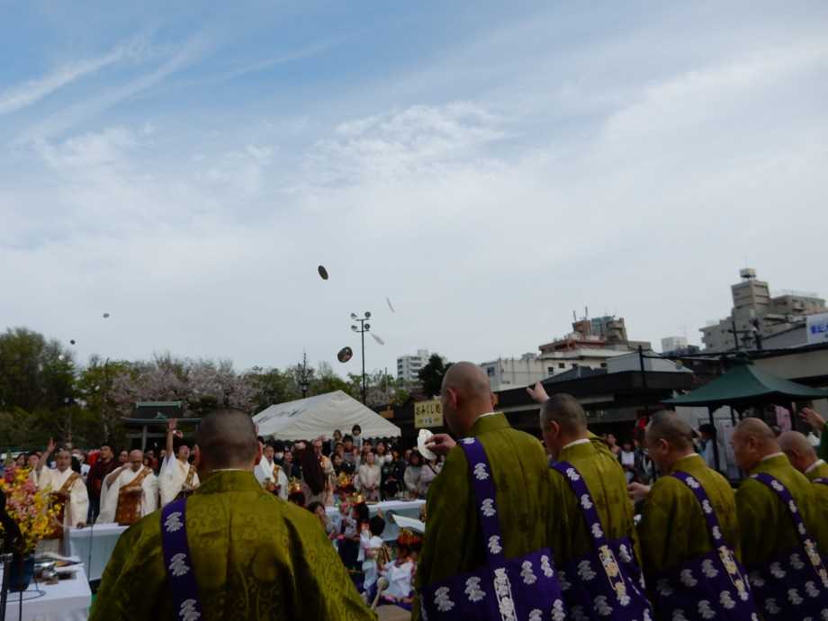 4年前の今日のお寺|深川仏教会花まつり